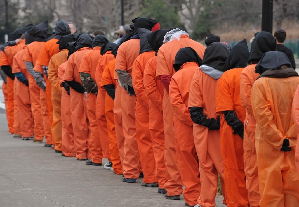 Stati Uniti: la disperazione dei detenuti di Guantanamo Bay