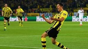 Robert-Lewandowski-celebra-gol_ARAIMA20130424_0207_10