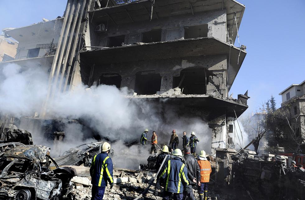 Siria: decine di morti in un attentato nel cuore di Damasco