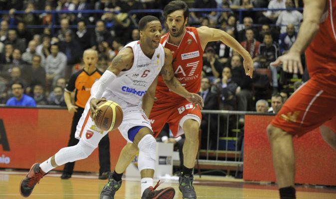 Basket, Lega A: super Cimberio Varese, EA7 Milano travolta