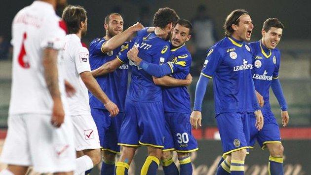 Sassuolo ad un passo dalla A.  Non mollano le inseguitrici Livorno e Verona…