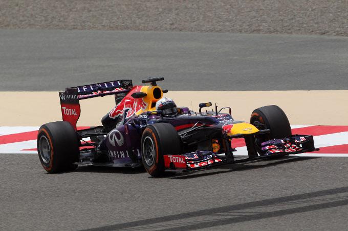 Vettel su Renault vince il Gran Premio di Bahrain. Male la Ferrari di Alonso.