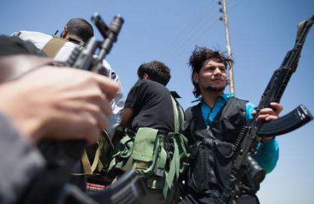 Siria: UE revoca embargo delle armi