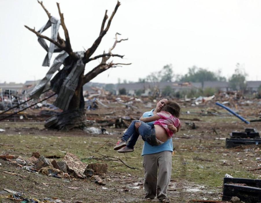 Stati Uniti: Oklahoma city devastata dal Tornado , 91 vittime, 20 sono bambini