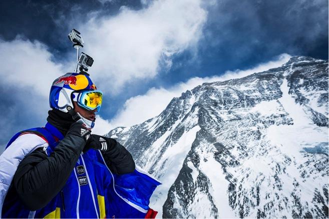 Record del Mondo: Valery Rozov vola dall'Everest!