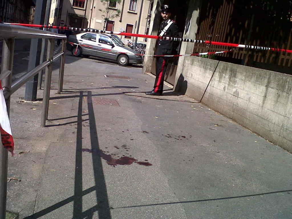 Salgono a tre le vittime del folle picconatore di Milano