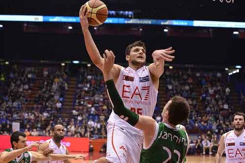 Basket, playoff gara-7: Siena espugna Milano e approda in semifinale