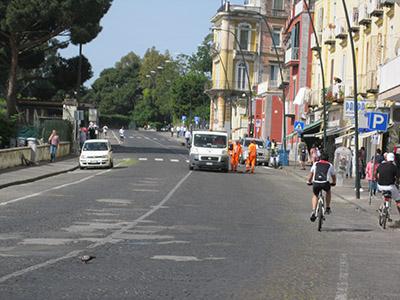 Parte il Giro d'Italia: la voce ai cittadini napoletani…
