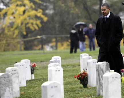 """Stati Uniti: Obama onora nel """"Memorial Day"""" i caduti e i soldati in Afghanistan"""