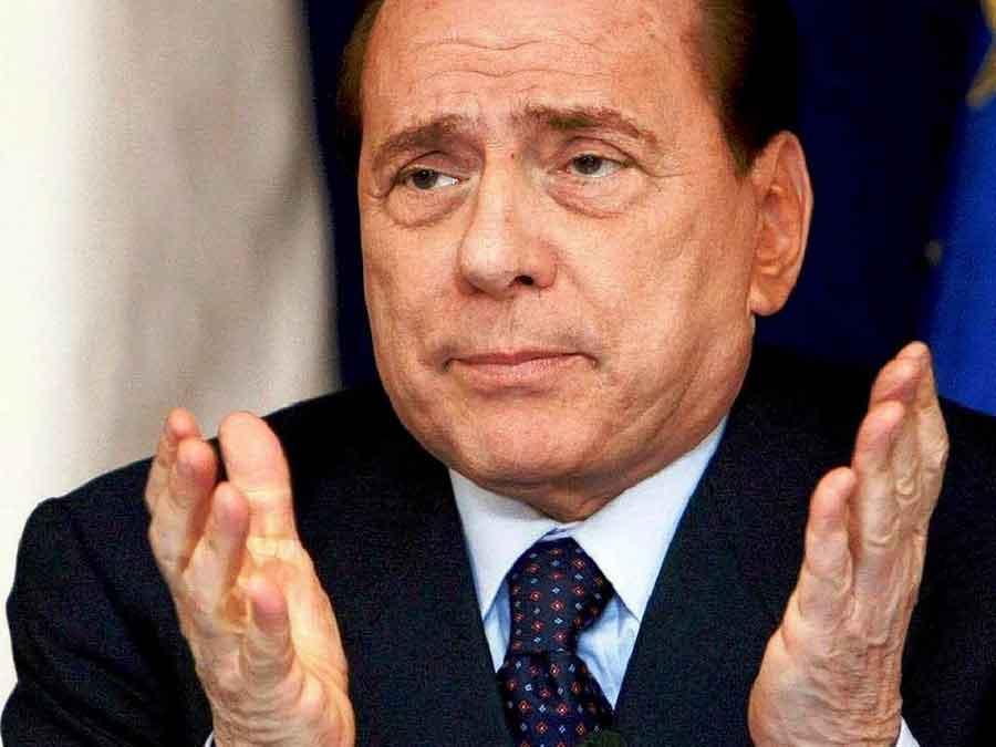 """Berlusconi attacca tutti. E a Napolitano: """"Doveva assegnarmi la grazia"""""""