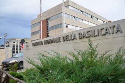 Rimborsi Basilicata: notificati atti di sospensione ai consiglieri regionali
