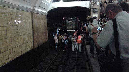 Russia: incendio in metropolitana, evacuati più di 4 500 passeggeri
