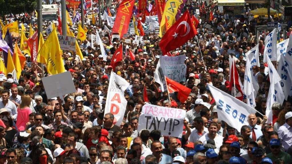 Turchia: tensione e decine di arresti