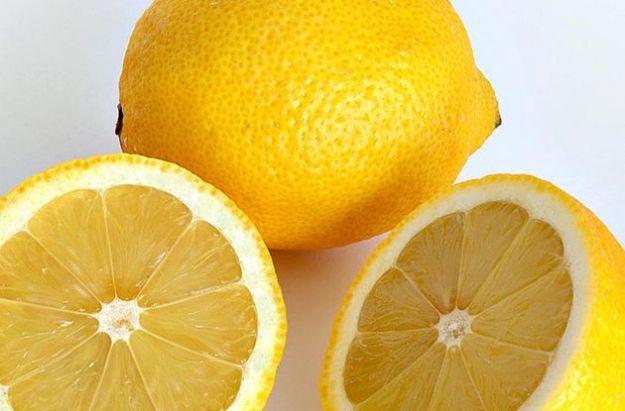 Strabilianti effetti benefici del limone sull'organismo umano