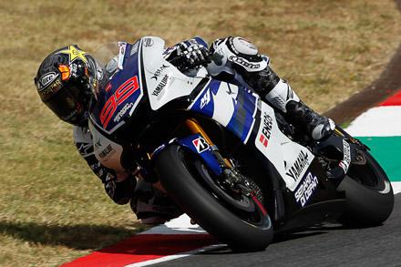 MotoGP, Mugello: vince Lorenzo davanti a Pedrosa e Crutchlow. Rossi out, Dovi 5°