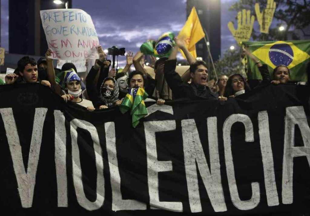 Brasile: il popolo continua a manifestare e sfida la politica del paese