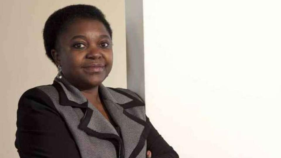 Cecile Kyenge: Maroni faccia cessare gli attacchi nei miei confronti