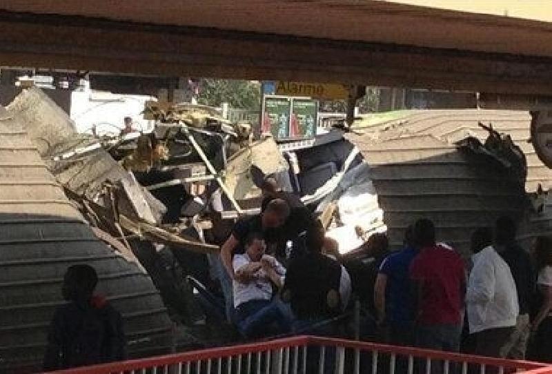 Treno deraglia vicino a Parigi: 6 morti e centinaia di feriti, 12 gravissimi