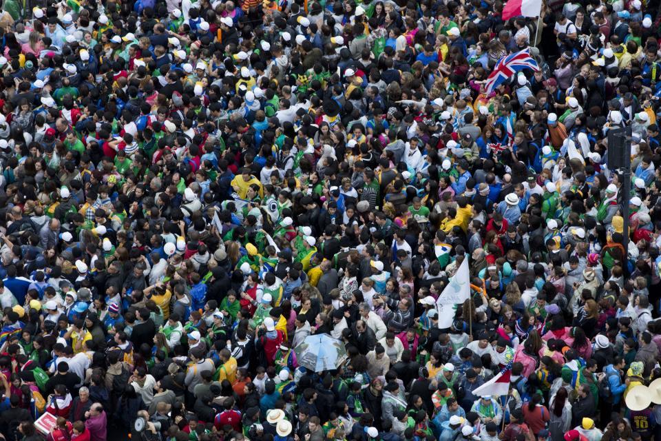 Gmg 2013, Papa Francesco ai giovani: 'Fate chiasso, fate casino, smuovete la Chiesa'