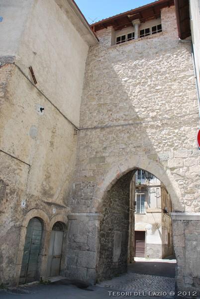 VATICANO: oltre la  Porta  di S.Anna