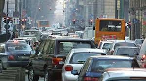 Il Movimento 5 Stelle si schiera in difesa dell'automobilista ecocompatibile