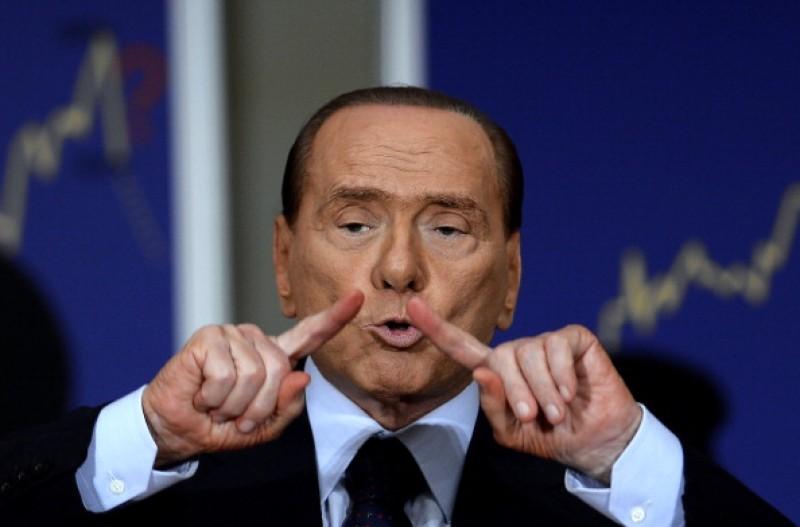 Arriverà solo domani la sentenza Mediaset. Per Berlusconi ore di angoscia
