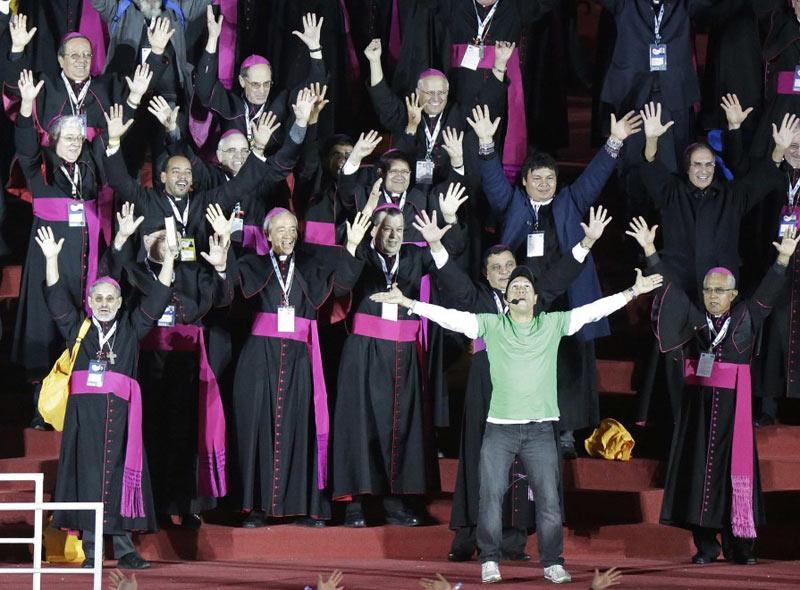 """Papa Francesco rientra in Vaticano dopo aver chiuso la XXVIII Gmg. Il suo discorso alla chiesa latinoamericana e di tutto il mondo: """"Andate, senza paura, per servire"""""""