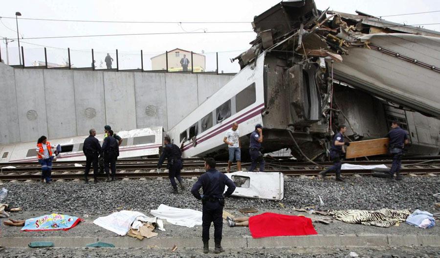 Spagna: deragliamento ferroviario a Santiago de Compostela. Grave il bilancio provvisorio: 77 morti e 143 feriti. Forse un Italiano