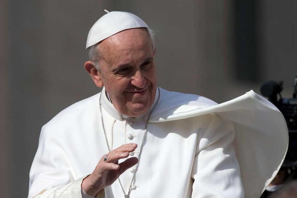 """Storico viaggio di Papa Francesco a Lampedusa: """"Sono qui per scuotere le coscienze"""". Denunciata l'indifferenza e l'anestesia del cuore"""