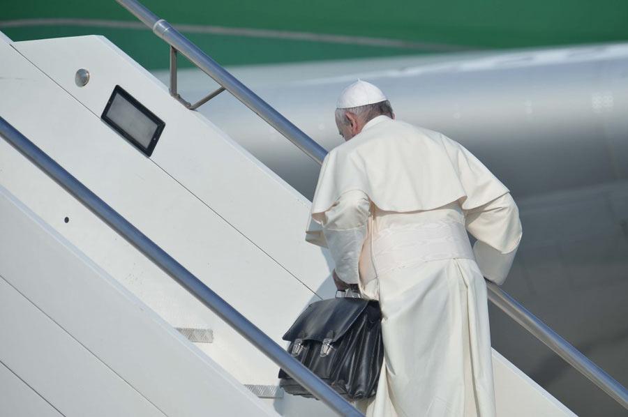 "Papa Francesco vola in Brasile per  la G.M.G. 2013: ""Andate e fate discepoli tutti i popoli"""