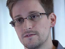 Russia: il fuggitivo Snowden resta bloccato all'aeroporto
