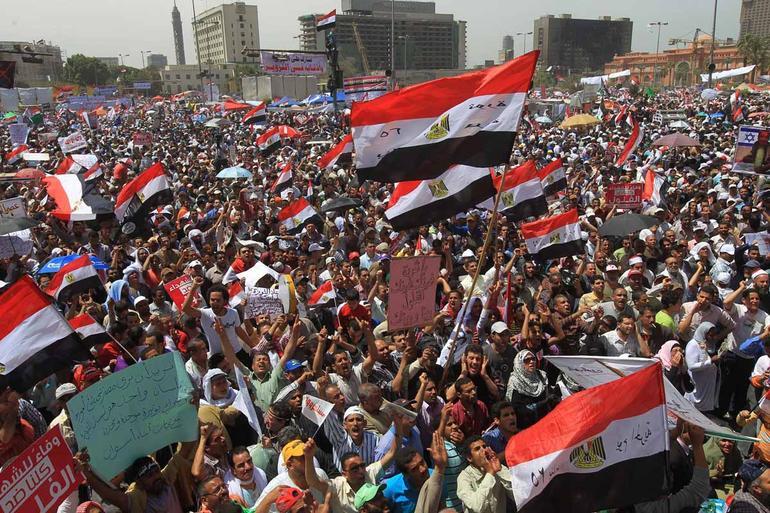 Egitto: caos nel paese e paura per i turisti
