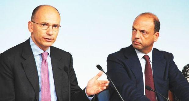 """Il Cavaliere """"Non Molla"""". E' scontro tra Letta e Alfano. Crisi dietro l'angolo"""