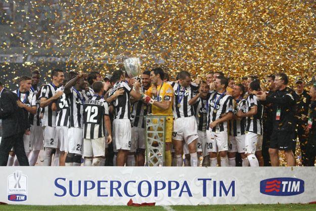 SUPERCOPPA: una straripante Juventus schiaccia la Lazio ed alza la coppa
