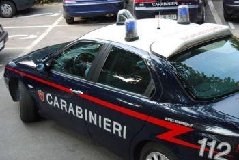 Napoli: uomo palpeggia una bambina, prima viene picchiato poi arrestato…