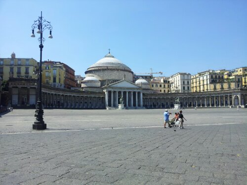 Giro d'Italia: Marco si gode Napoli e si prepara alla traversata notturna degli Appennini!
