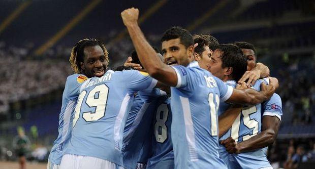 La Lazio vince ma soffre. Basta Hernanes contro il Legia
