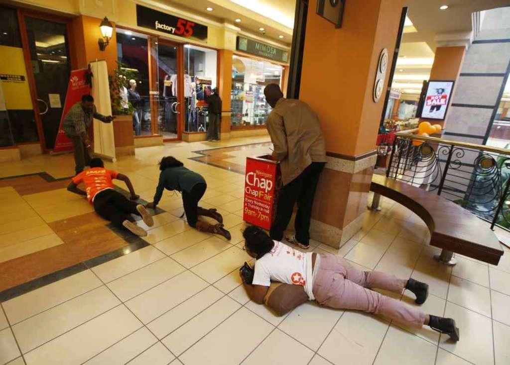 Nairobi, strage nel mall: 68 morti e 200 feriti. Decine di ostaggi, si attende il blitz