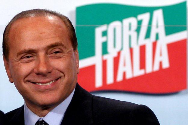 Berlusconi, dopo la sconfitta torna all'attacco