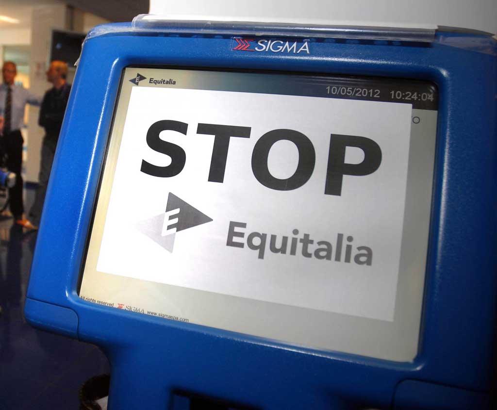 """Corruzione in Equitalia, 5 indagati e 29 perquisizioni: """"Rateizzazioni in cambio di denaro"""""""