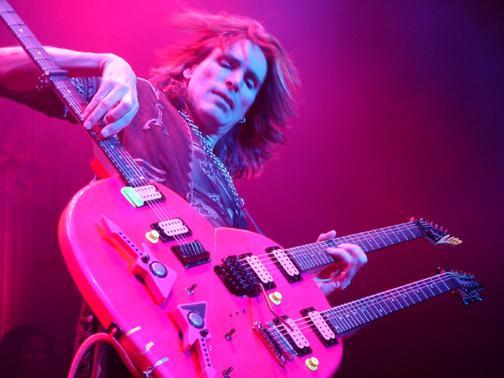 """Steve Vai: l'alchimista della chitarra, prosegue il suo """"STORY OF LIGHT 2013 TOUR"""""""