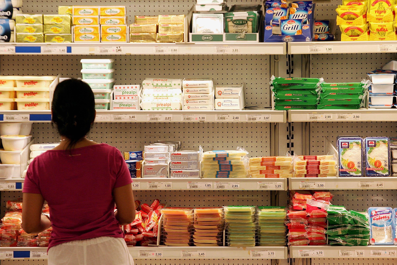 Istat, Pil 2013 cala del 2,1% e le famiglie comprano meno. Visco: 'la ripresa è possibile'