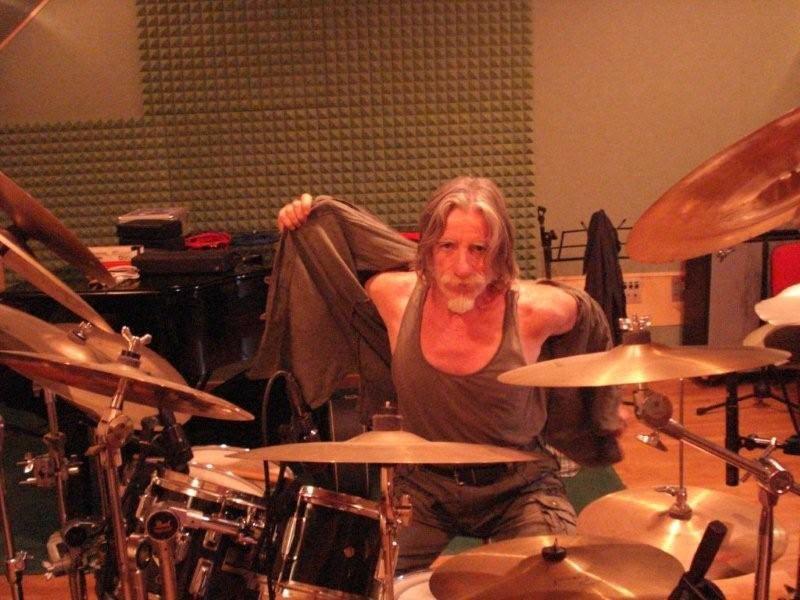 Jenny  Sorrenti, la voce d'angelo del rock, in concerto. Suoneranno per te, tanti amici, Marcello Vento!