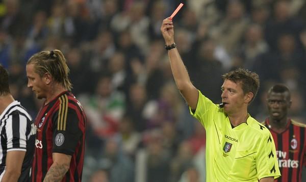 Stangata sul Milan: 4 turni a Mexes e porte chiuse contro l'Udinese