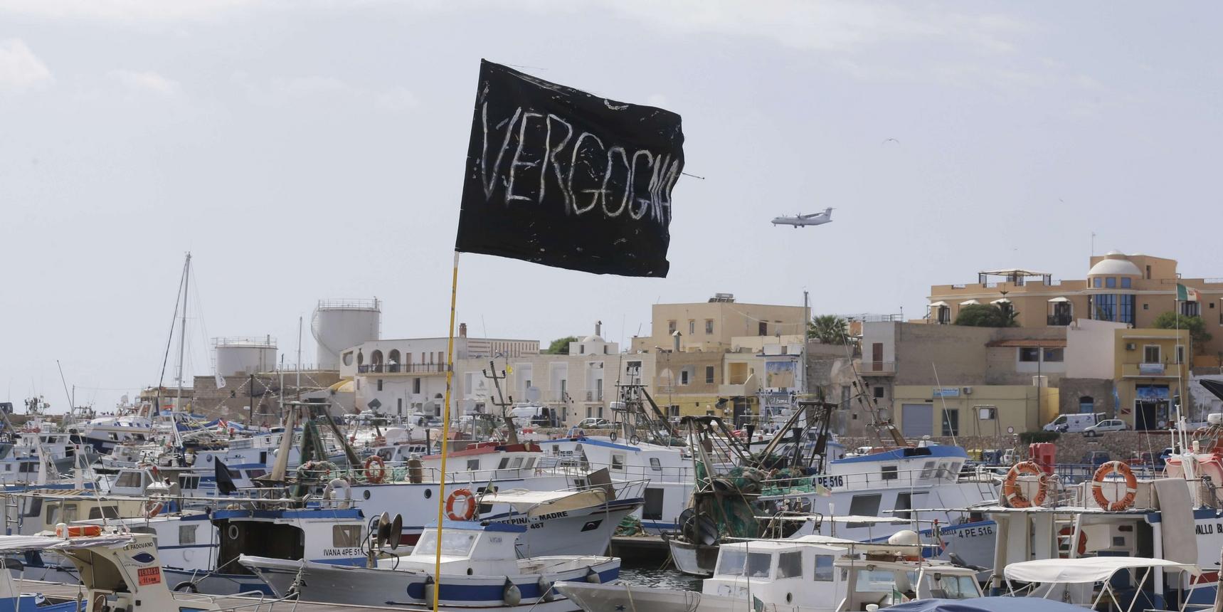 Tragedia di Lampedusa, 196 corpi recuperati. Schulz ammette: 'Italia lasciata sola dall'Europa'
