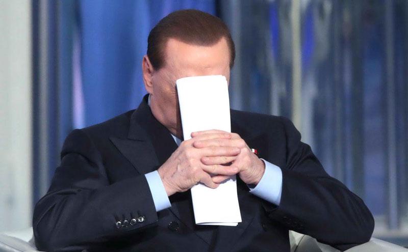 Decadenza di Berlusconi, sì al voto palese e alla trasparenza