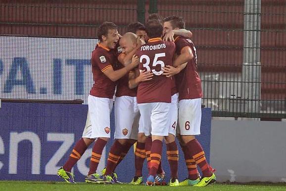Nessuno ferma la Roma. Successi per Napoli e Juventus, perde il Milan. Posticipo: Lazio – Cagliari 2-0