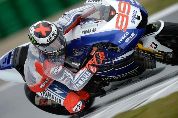 MotoGP, Motegi: vince Lorenzo davanti a Marquez. Il mondiale si decide a Valencia