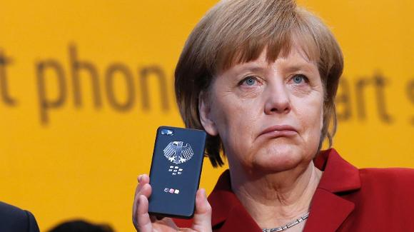 Stati Uniti: la NSA sospettata dalla Merkel di spiargli il cellulare