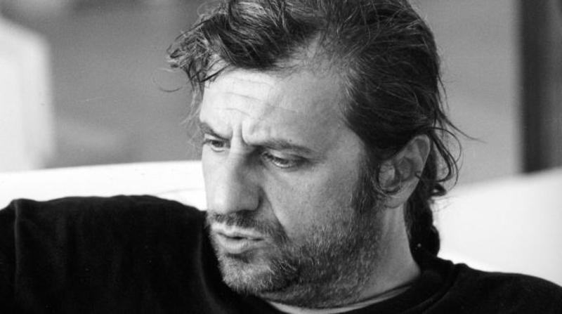 """Urge"": Bergonzoni porta in scena la vastità al Teatro Vittoria"